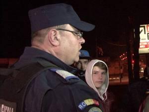 """Marian Molea, jandarmul care le-a interzis manifestanţilor să scandeze """"Demisia"""""""