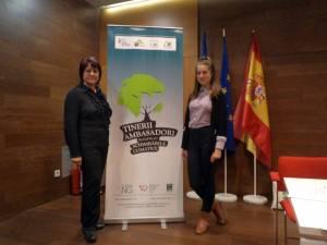 Marta Florescu alături de prof. Marinela Mocanu