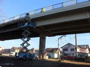 Traficul feroviar din zona Gării Iţcani este restricţionat din cauza lucrărilor de reabilitare a pasarelei CFR