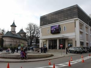 """Clădirea Centrului Cultural Bucovina va găzdui săptămâna viitoare prima reprezentaţie artistică ce se va juca pe scena Teatrului Municipal """"Matei Vişniec"""""""