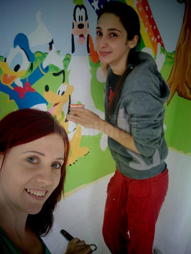 Nicoleta Ciubotariu și Raluca Mihaela Daniliuc, la muncă