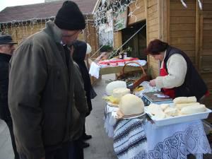 """""""Târgul de Crăciun"""" din Suceava va avea loc în perioada 6 decembrie 2015 – 10 ianuarie 2016, atât pe esplanada Casei de Cultură, cât şi la Shopping City Suceava"""