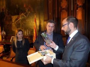 Oficialul spaniol a primit o ladă de zestre a judeţului Suceava