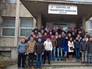 """Elevii jandarmi ai Şcolii Militare de Subofiţeri de Jandarmi """"Petru Rareş"""" Fălticeni s-au implicat în această săptămână într-o campanie de donare de sânge"""