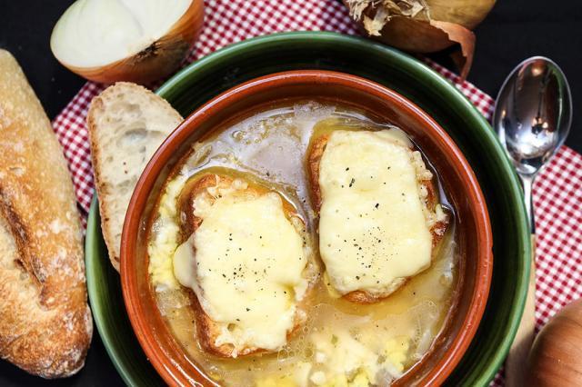 Supă franțuzească de ceapă (versiunea de post). Foto: tastyfast.blogspot.com