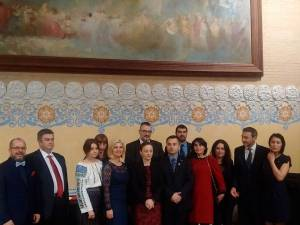 Cătălin Nechifor, alături de participanţii la aniversarea Zilei Bucovinei şi a Zilei Naţionale