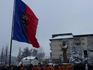 La Gura Humorului a fost arborat steagul Bucovinei şi s-a dezvelit statuia lui Ştefan cel Mare