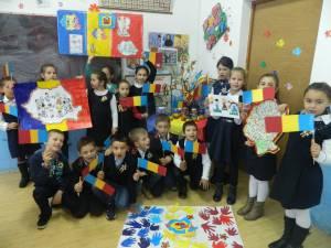Manifestări artistice organizate de elevii Liceului Tehnologic Cajvana de Ziua Naţională a României