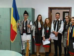 """Ziua Naţională, marcată la Colegiul """"Alexandru Ioan Cuza"""""""