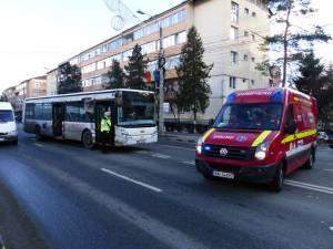 Autobuzul a evitat un impact violent în ultimul moment