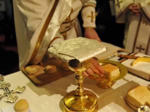 """""""Luarea timpului"""" înainte de săvârșirea Liturghiei Darurilor mai înainte sfințite"""
