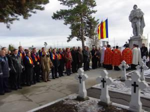 Ceremonie militară şi religioasă şi depunere de coroane la Monumentul Eroilor din Cimitirul Pacea
