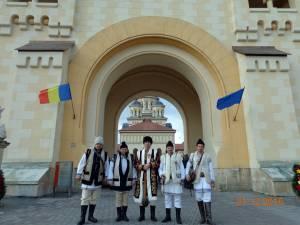 O delegaţie formată din cinci suceveni, în frunte cu doctorul Petrea Dulgheru, preşedintele Colegiului Medicilor Veterinari Suceava, a fost Solia Cetăţii de Scaun a Sucevei la Marea Unire de la Alba Iulia