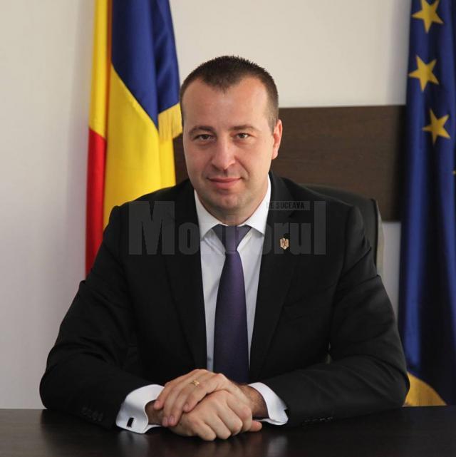 """Lucian Harşovschi: """"Dorim iluminat de sărbători, dar trebuie să avem grijă să existe un echilibru între costuri şi eficienţă"""""""