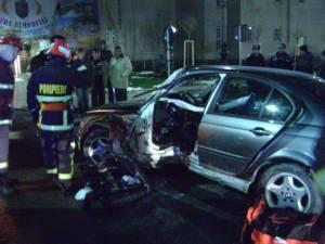 Accident violent cu un BMW în centrul oraşului Gura Humorului