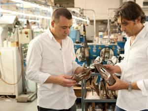 Ilie Cornea alături de designerul italian Davide Vaccari