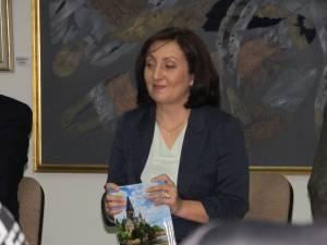 Prof. dr. Aura Mihaela Mihoc şi-a lansat, pe 24 noiembrie, cartea Français au bac
