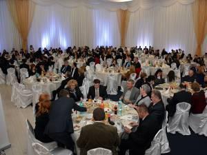 Peste 400 de invitaţi au fost prezenţi la fiecare din cele trei ediţii ale Galei