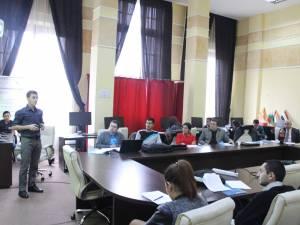 Studenţii suceveni prezentându-si lucrările