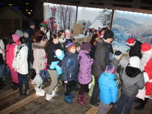 Mii de copii sunt aşteptaţi marţea viitoare, pe 15 decembrie, la întâlnirea cu Moş Crăciun