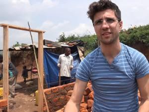 La 12 ani, Cornel Manaz muncea pentru o felie de pâine cu marmeladă, pe lângă orfelinat, astăzi este om de afaceri