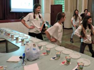 Elevii din Fălticeni, învăţaţi să mănânce sănătos