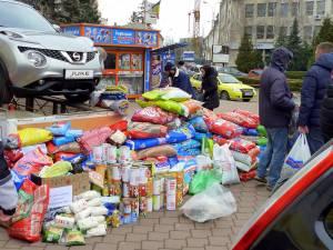Sucevenii au donat mâncare uscată, bani, medicamente, conserve, pături, perne şi plăpumi
