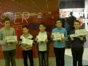 O parte dintre laureaţii Campionatului Municipal de Şah