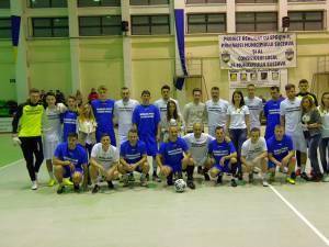 Foștii și actualii fotbaliști ai Sucevei au jucat un meci demonstrativ în scop caritabil