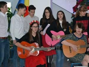 """Serbarea de Crăciun a elevilor Colegiului """"Al. I. Cuza"""""""
