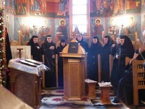 Ca în fiecare an, pe 18 decembrie, de Sfântul Cuvios Daniil Sihastrul, este hram la Mănăstirea Voroneţ