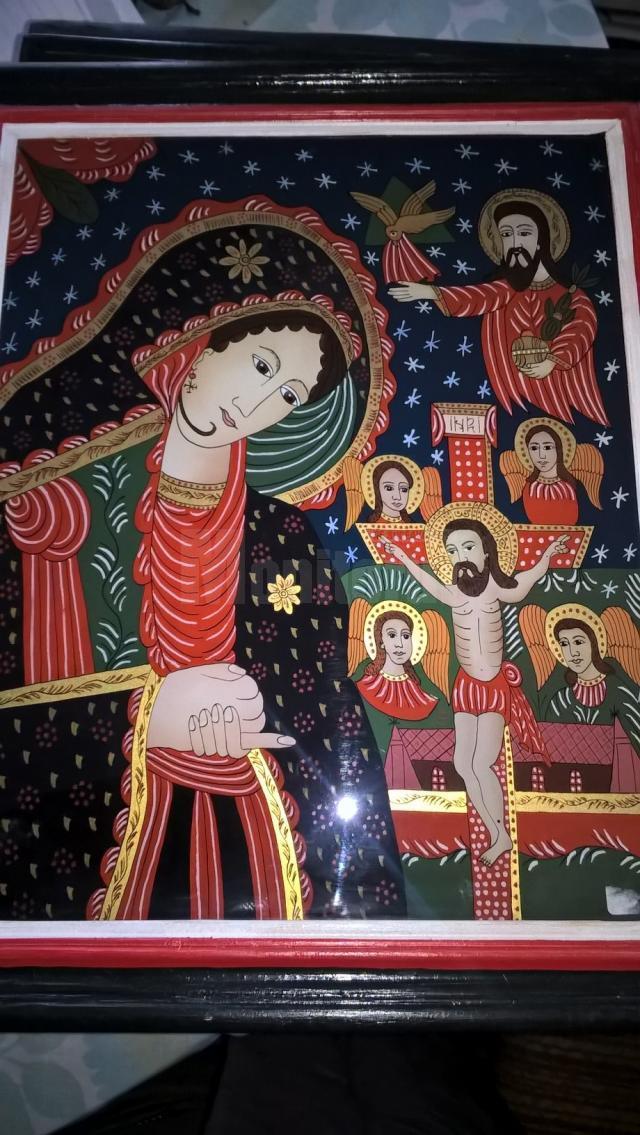Expoziţie de icoane pe sticlă, la Biblioteca Municipală Câmpulung Moldovenesc