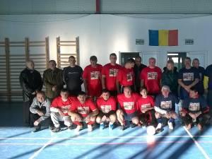 Participanţii la meciul demonstrativ au purtat tricouri inscripţionate cu chipul lui Ştefan Costiuc