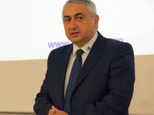 """Rectorul Universităţii """"Ştefan cel Mare"""" Suceava, prof. univ. dr. ing. Valentin Popa"""