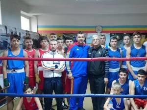 Pugiliştii de la CSM Suceava, alături de o parte dintre membrii lotului naţional al Republicii Moldova