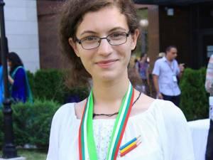 Teodora Solovan a câştigat argint la Olimpiada Internațională de Lingvistică, Bulgaria, în 2015