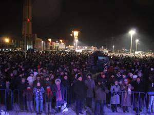 """Peste 10.000 de suceveni au petrecut de Anul Nou la """"Revelionul în aer liber"""""""