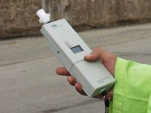 Peste 350 de şoferi, verificaţi cu alcooltestul în cinci zile de controale