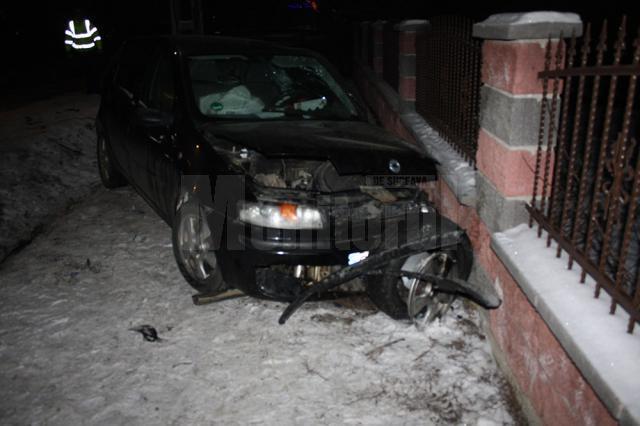 Impactul dintre cele două maşini a fost extrem de violent