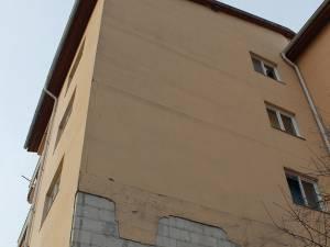 Lipsite de izolare termică, blocurile din cartierul ANL de la Gară au devenit frigidere, din cauza gerului siberian şi a unor deficienţe ale sistemului de termoficare