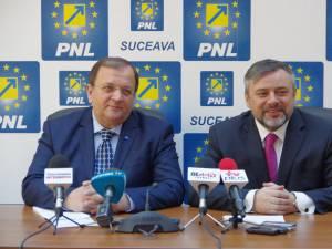 Senatorul Gheorghe Flutur a anunţat ieri că susţine vehement candidatura deputatului Ioan Balan pentru funcţia de primar al municipiului Suceava