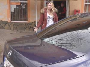 Adina Gabriela Prisăcariu, din Slobozia - Grăniceşti, a fost arestată joi de Tribunalul Vrancea pentru comiterea infracţiunilor de constituire a unui grup infracţional organizat şi contrabandă