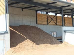 Din cauza cantităţilor insuficiente de biomasă livrate, centrala de termoficare a oraşului nu a putut funcţiona la capacitatea necesară