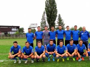Lotul cu care Şomuz Fălticeni a abordat prima parte a campionatului. Foto: cronicadefalticeni.com