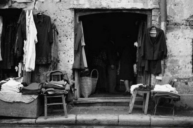 Comerțul cu vechituri, de la Taica Lazăr la vânzările pe internet
