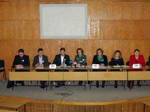 Iniţiatorii şi câţiva sprijinitori ai acțiunii cetățenești din Suceava pentru modificarea articolului 48, alineatul 1 din Constituția României
