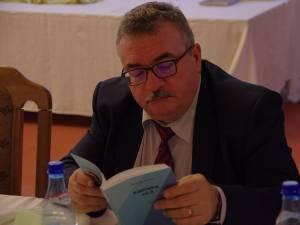 """Dan Popescu: """"Toată situaţia şcolară va fi păstrată pe suport electronic, iar profesorul de specialitate are acces doar la rubrica disciplinei sale"""""""
