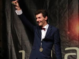 Tudor Creţu a adus României peste zece medalii internaţionale în cadrul olimpiadelor de fizică, astronomie şi astrofizică