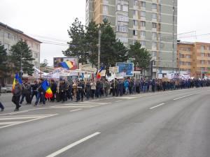 Marşul de protest al forestierilor s-a desfăşurat paşnic, singurul inconvenient fiind blocarea circulaţiei pe bulevardul principal