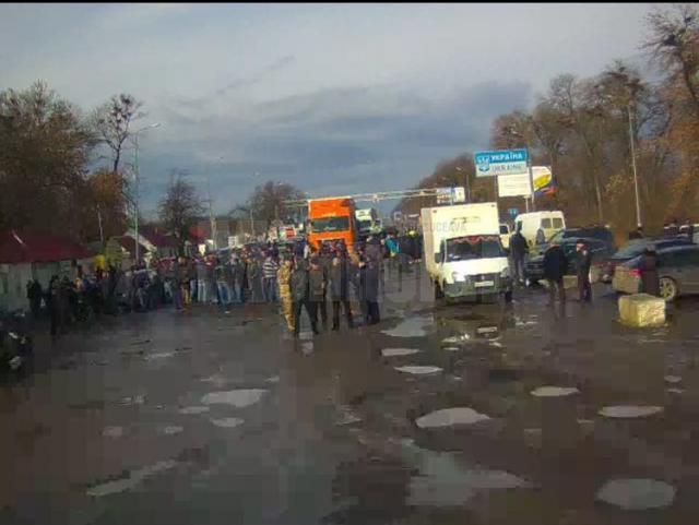 Trafic paralizat în Vama Siret, după ce sute de ucraineni au blocat intrarea în vama ucraineană